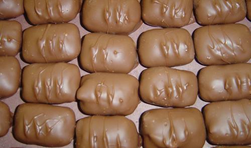O'Shea's Milk Chocolate Peanut Butter Bolsters